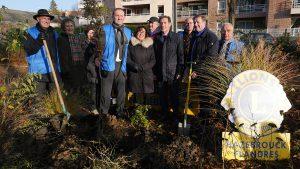 Deux chênes plantés pour le centenaire du Lions club International
