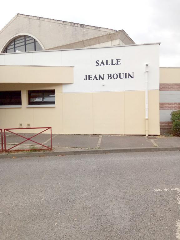 Grand ravalement de façade pour la salle Jean Bouin