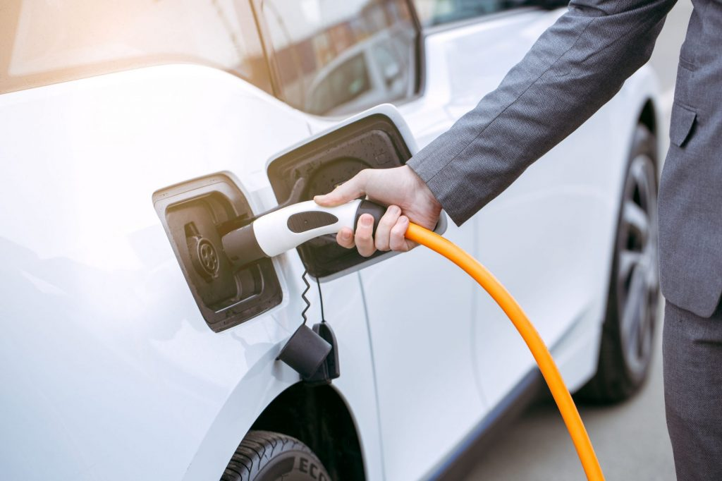 Des aides à l'acquisition et à la location de véhicules peu polluants